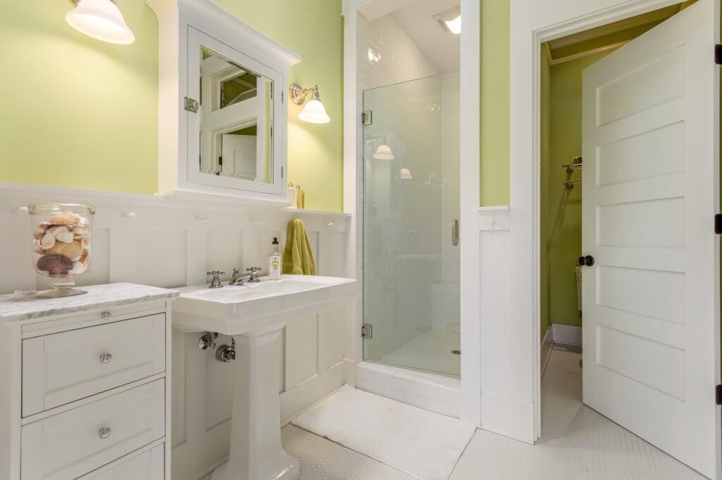 Keauhou Project Guest Bathroom