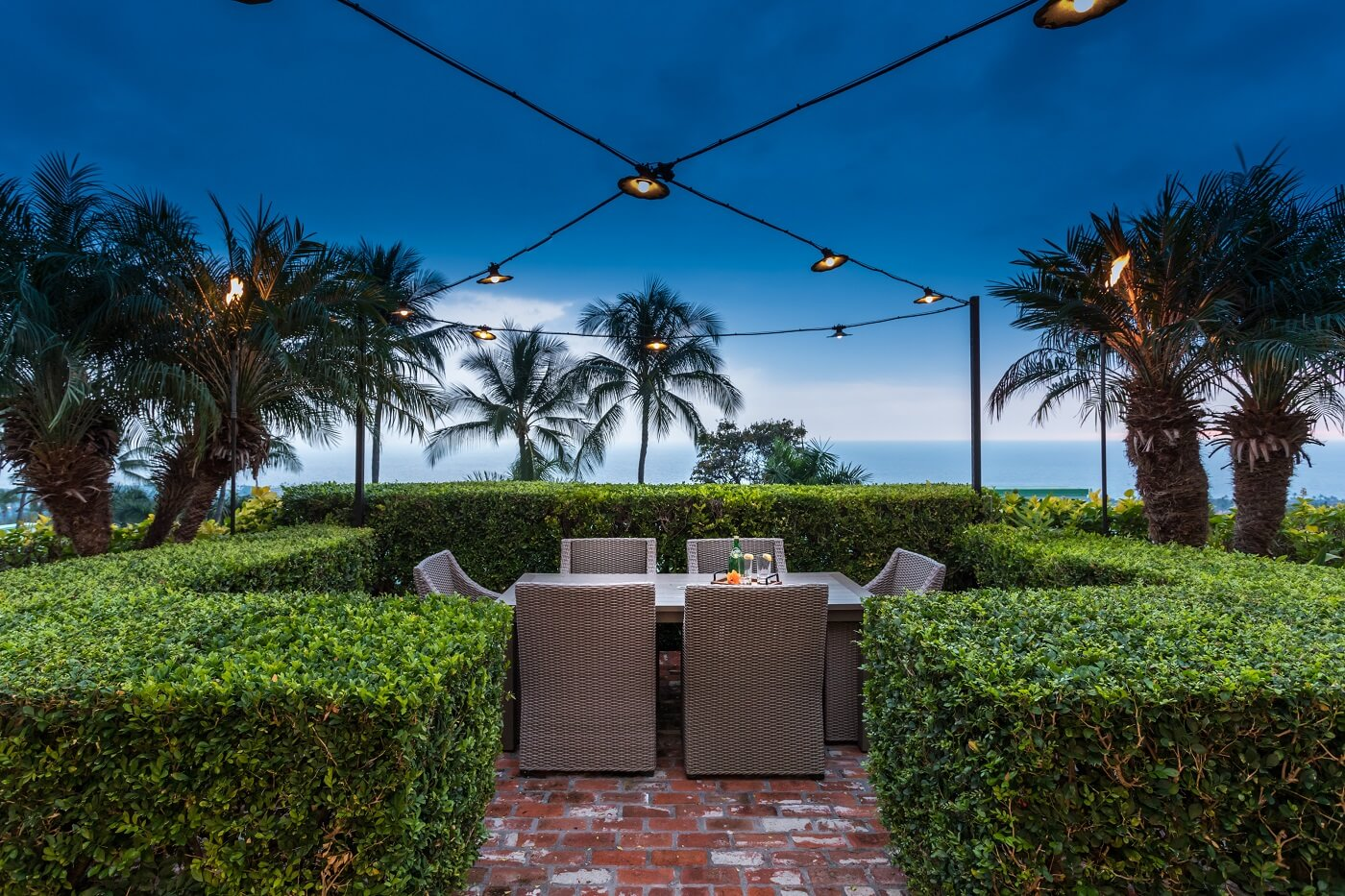 Keauhou Project Outdoor dining